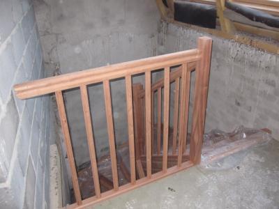 Escalier bois 2/4 tournant pour logement collectif