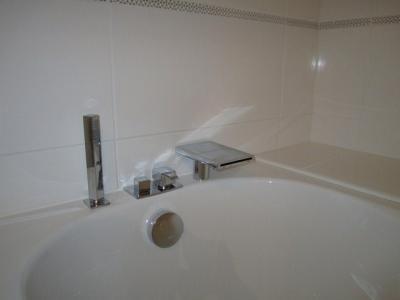 Salle de douches dans un loft ...