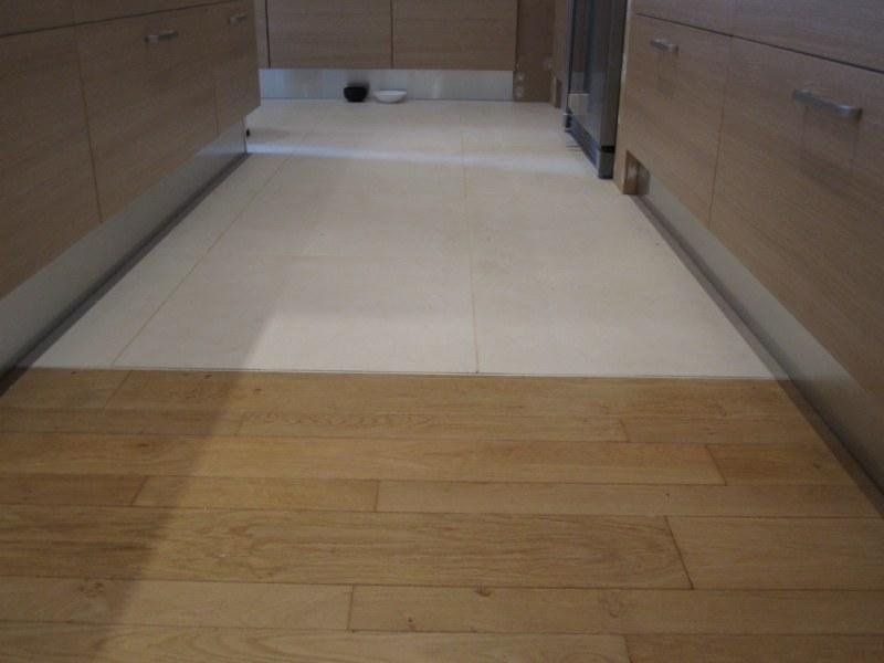 Jonction parquet carrelage r novation carrelage for Pose carrelage imitation parquet sur plancher chauffant