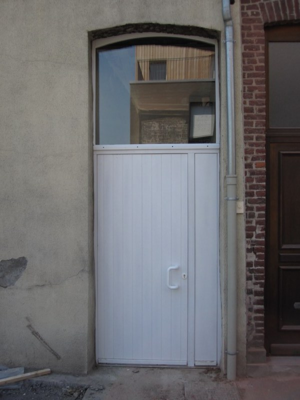 Porte d 39 entr e bois menuiserie ext rieure menuiserie bois for Dimension porte d entree