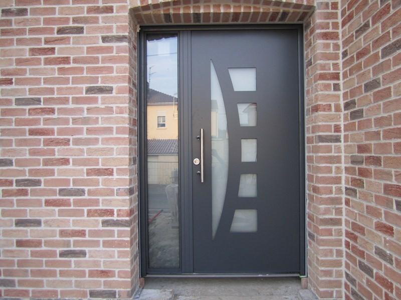 Porte maison exterieur ct extrieur le commentaire est for Porte exterieur design
