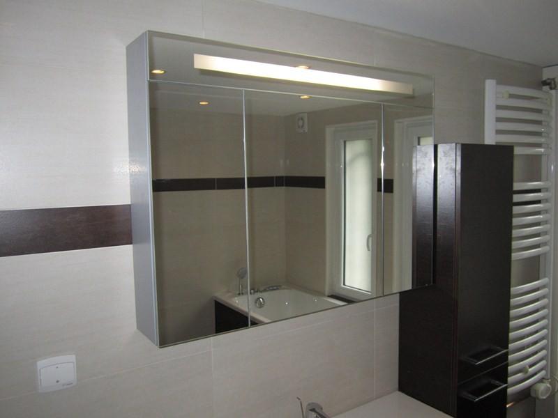 salle de bains équipée d\'une grande douche : Plomberie sanitaire ...