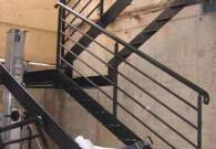 Pose d'un escalier 2 volés et 1 palier intermédiaire